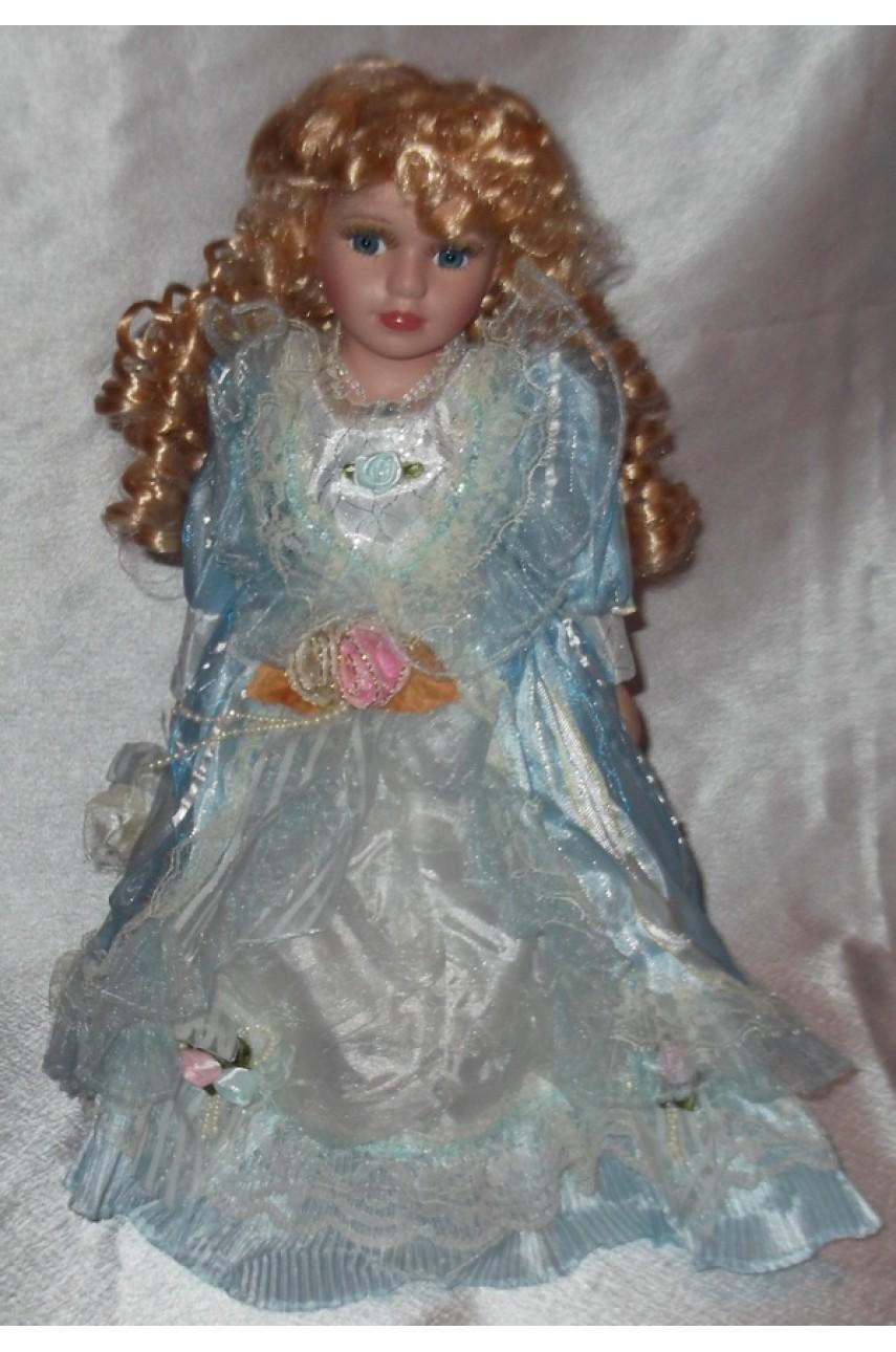 Кукла фарфоровая в бальном платье 40 см арт.16437