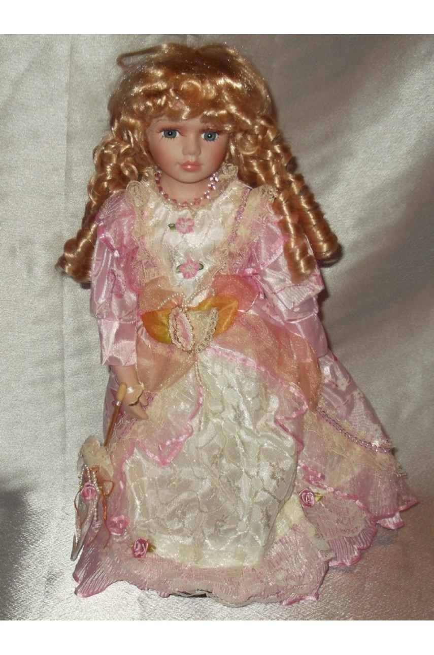 Кукла фарфоровая в бальном платье 40 см арт.16738